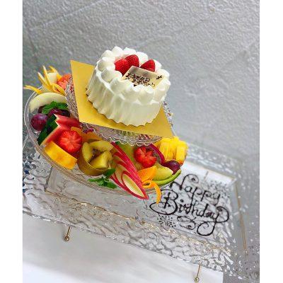 ケーキとフルーツコラボのプレート